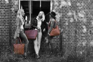 Chesterfield tassen: onmisbare accessoires