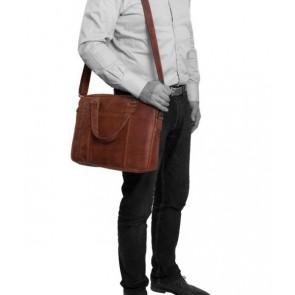 Chesterfield Maria Shoulderbag Cognac 15 inch Model man