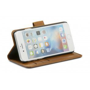 dbramante1928 Copenhagen 2 Leather Wallet iPhone 7 Tan Stand