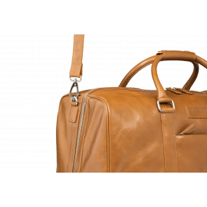 dbramante1928 Leren Weekend Tas Laptoptas 17 inch Aalborg Golden Tan Voorkant Detail