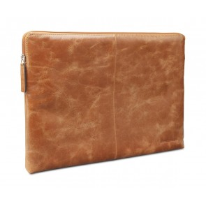 dbramante1928 Skagen Leather Sleeve MacBook 13 inch Tan schuin voorkant links
