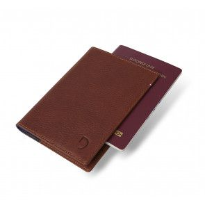 Decoded Leather Paspoort Houder Bruin Voorkant