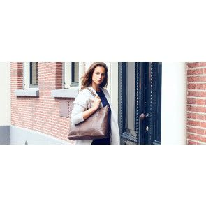 Plevier Dames Leather Tote Businessbag 483 Donkerbruin 15 inch Sfeer