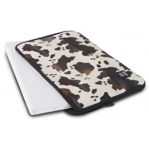 Walk on Water Laptop Sleeve Cowskin MacBook Pro 15 inch Brown Liggend
