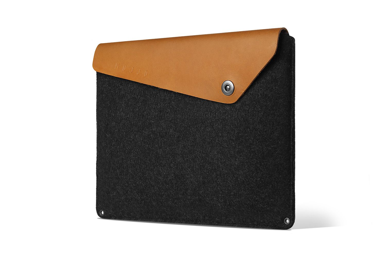 Mujjo Sleeve 15 inch MacBook Pro Retina Tan